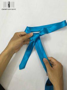 cách thắt cà vạt hàn quốc