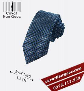 Cà vạt bản nhỏ xanh bạc caro