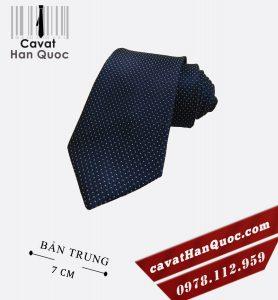 Cà vạt xanh than chấm bi bản to vừa 7 - 7,5 cm