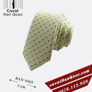 Cà vạt vàng chấm bi nâu bản nhỏ 5 cm