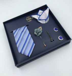 Set cà vạt màu xanh da trời kẻ sọc chéo đen, trắng, xanh