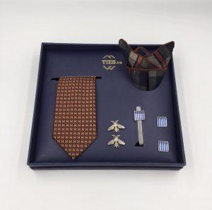 set cà vạt nâu họa tiết chữ H