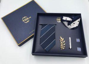 Set cà vạt xanh than kẻ trắng nhỏ
