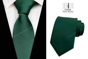 Cà vạt xanh lá đậm mịn bản to 8cm