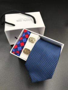 Set hộp trắng cà vạt caro xanh than, xanh da trời