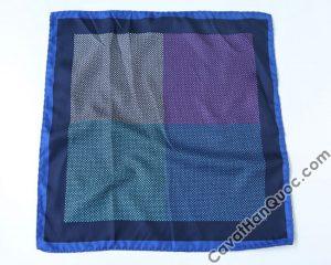 Khăn cài túi áo vest viền xanh than xanh dương 4 ô vuông to pha màu