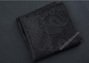 Khăn cài túi áo vest màu đen họa tiết hoa paisley