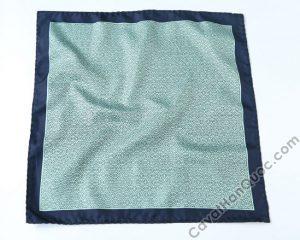Khăn cài túi áo vest màu xanh rêu viền xanh than họa tiết tròn