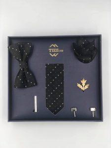 Set cđen chấm bi đen trắngà vạt màu