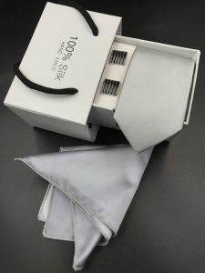 Set hộp trắng cà vạt trơn gân tăm màu xám nhạt