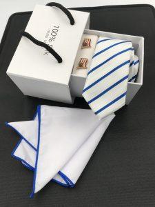Set hộp trắng cà vạt màu trắng kẻ sọc chéo xanh dương