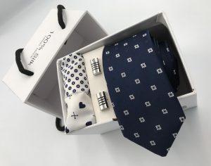 Set hộp trắng cà vạt màu xanh than thêu ô vuông trắng