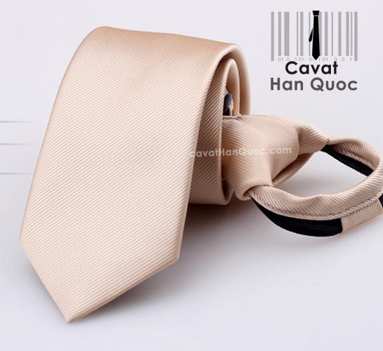 Cà vạt thắt sẵn khóa kéo màu da