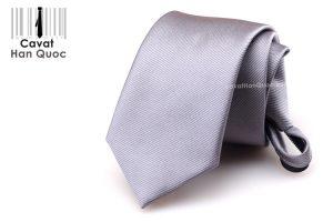Cà vạt thắt sẵn khóa kéo màu xám đậm