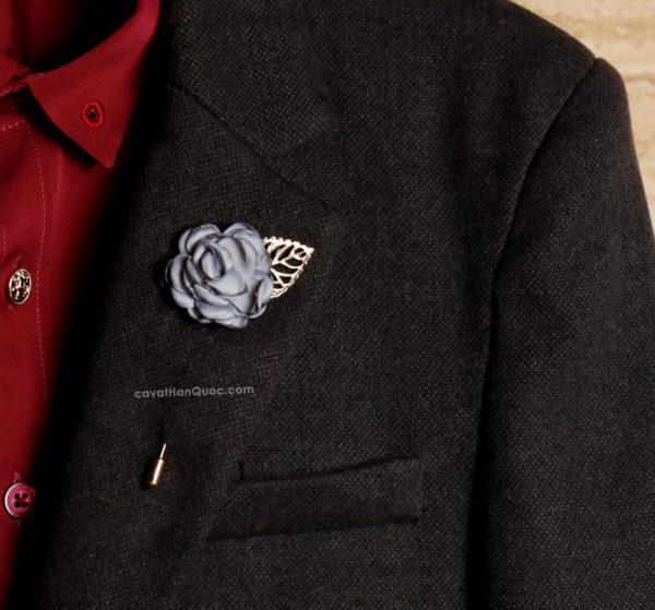 Ghim cài áo vest hình bông hồng màu xám xanh lá vàng