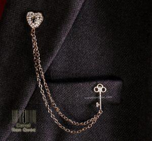 Khuy ghim cài áo hình trái tim đính đá chìa khóa