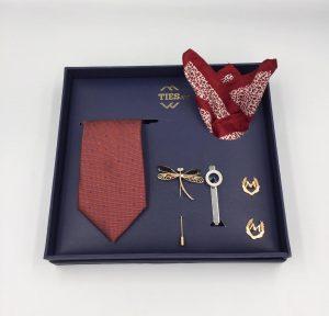 Set cà vạt đỏ mận chấm bi xanh nhạt