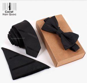 Bộ set cà vạt đen 1 đường kẻ chéo đen bản nhỏ